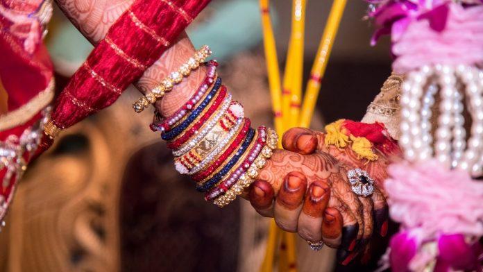 बिग फैट से लेकर छोटी वर्चुअल शादी तक ...